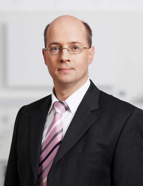 Dr Henning Hartwig