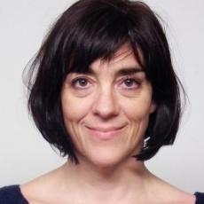 Dr Judit Bayer